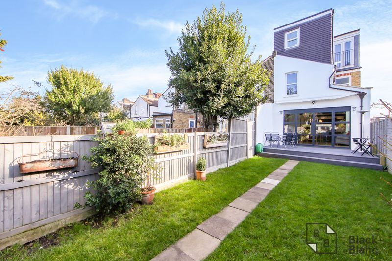 4 bed house for sale in Edward Road  - Property Image 17