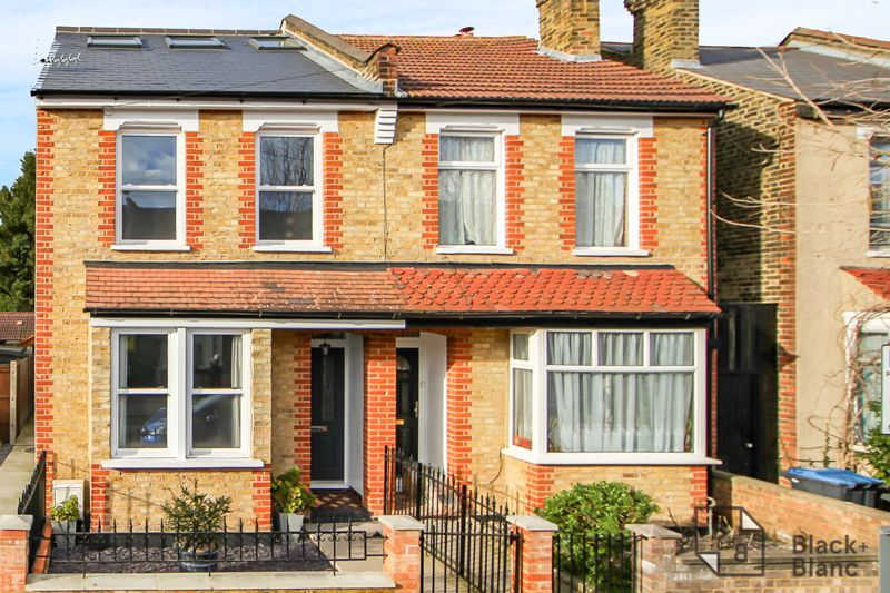 4 bed house for sale in Edward Road 18
