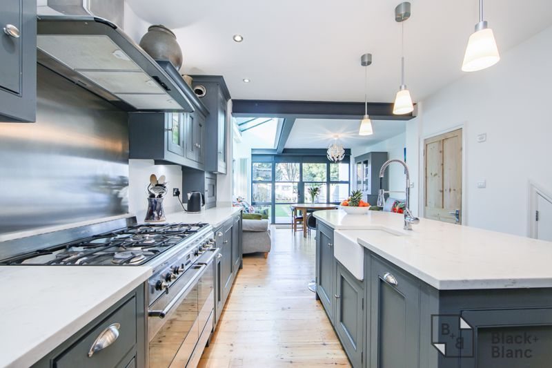 4 bed house for sale in Edward Road  - Property Image 5