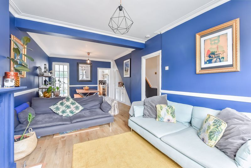 4 bed house to rent in Rymer Road  - Property Image 3
