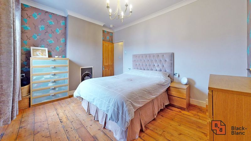 2 bed house for sale in Alexandra Road 5