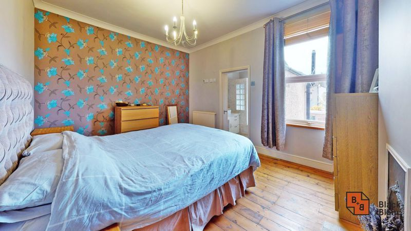 2 bed house for sale in Alexandra Road 6