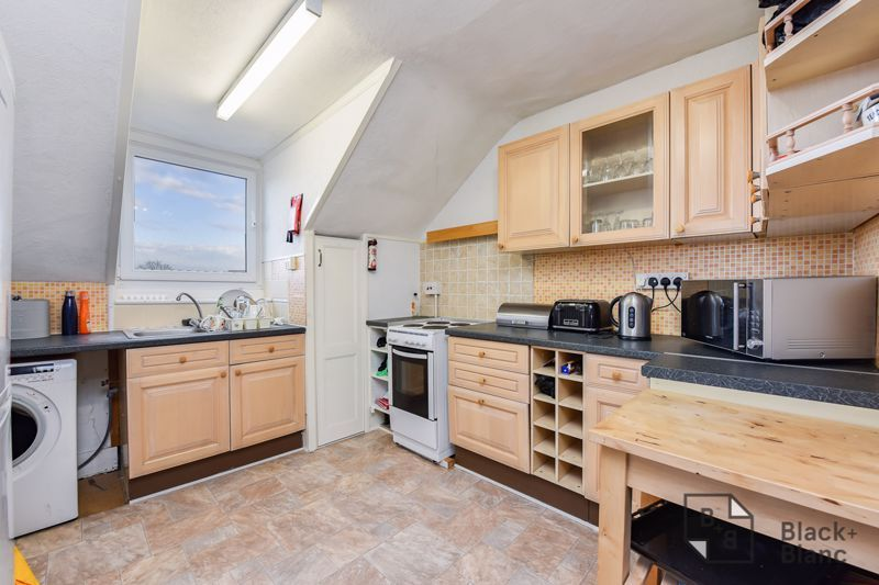 5 bed house for sale in Alexandra Road  - Property Image 11