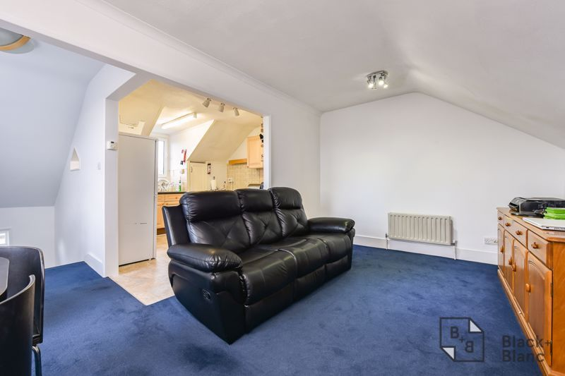 5 bed house for sale in Alexandra Road 12