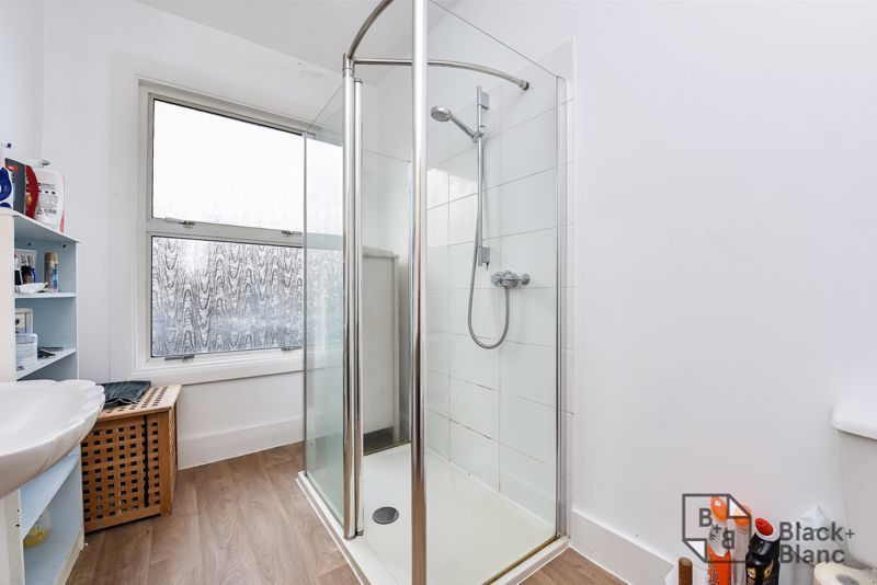 5 bed house for sale in Alexandra Road  - Property Image 13