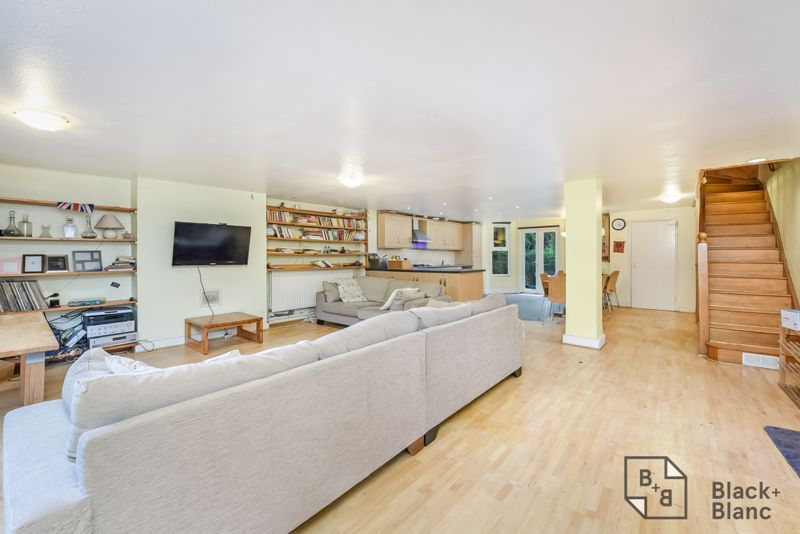 5 bed house for sale in Canning Road  - Property Image 4