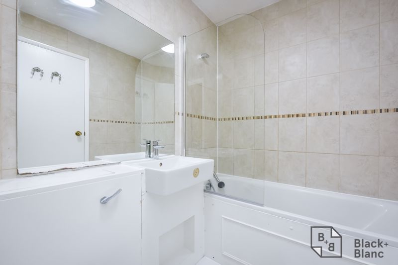 2 bed house to rent in Goodhew Road  - Property Image 5