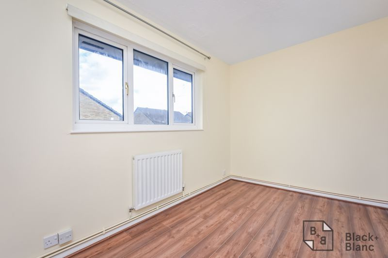 2 bed house to rent in Goodhew Road 6