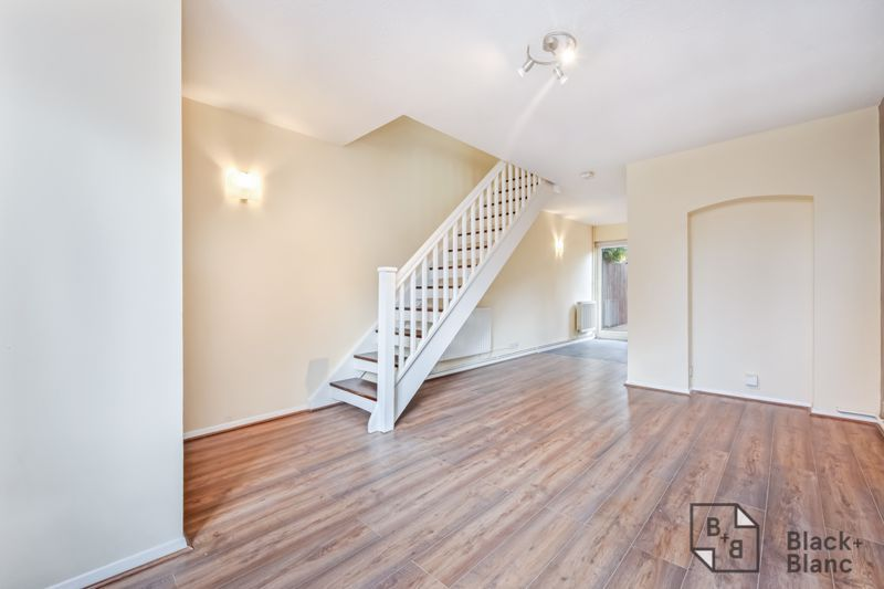 2 bed house to rent in Goodhew Road  - Property Image 8