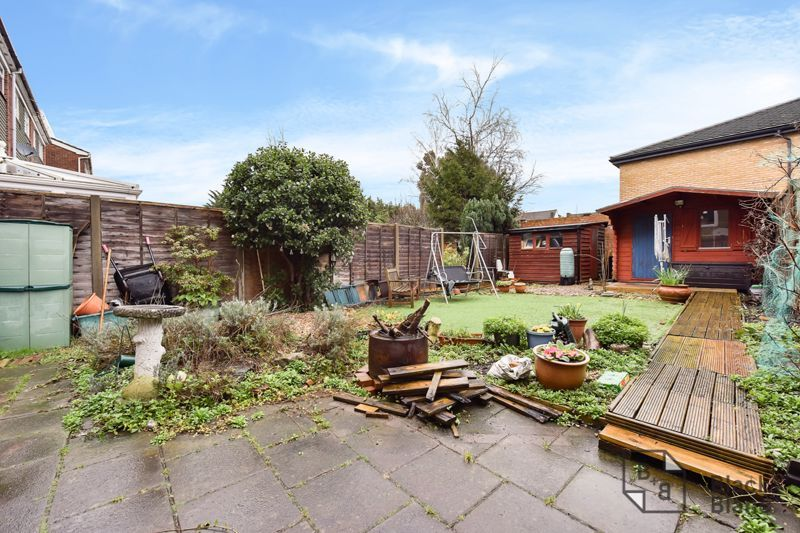 3 bed flat for sale in Alexandra Road  - Property Image 9