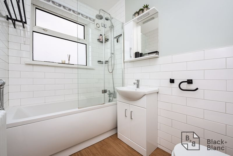 3 bed house for sale in Davidson Road  - Property Image 9
