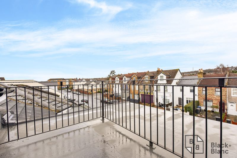 1 bed flat for sale in Norbury Road  - Property Image 7