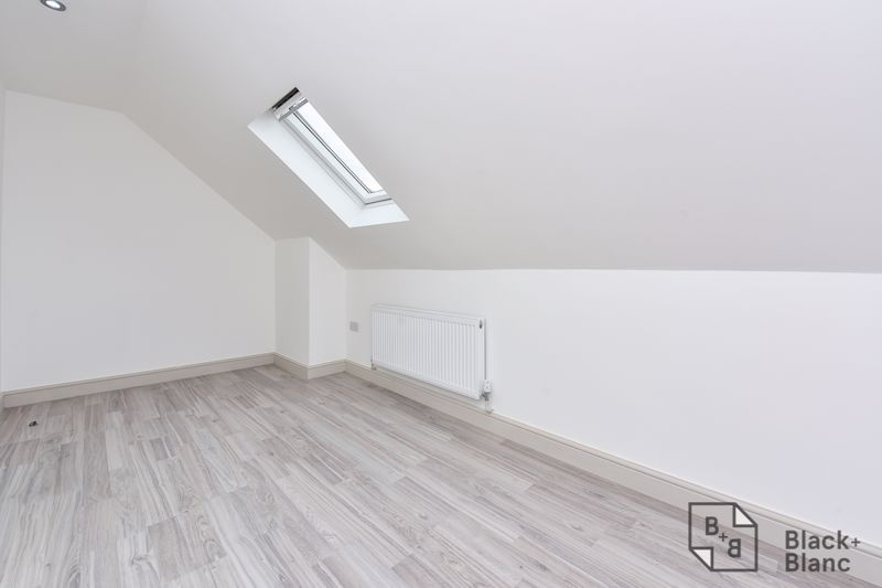 2 bed flat for sale in Norbury Road  - Property Image 8