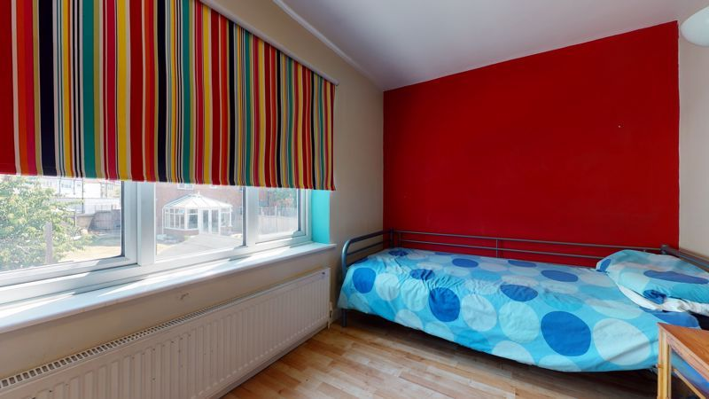 4 bed house for sale in Marden Crescent 12
