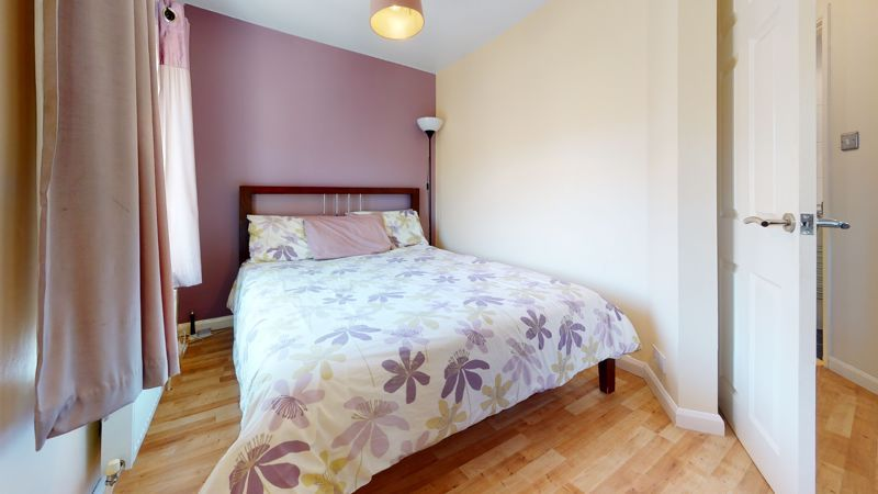 4 bed house for sale in Marden Crescent 13