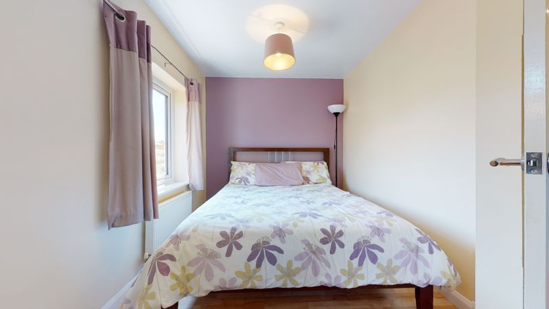 4 bed house for sale in Marden Crescent 8