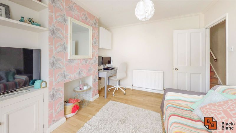 3 bed house for sale in Rymer Road 3