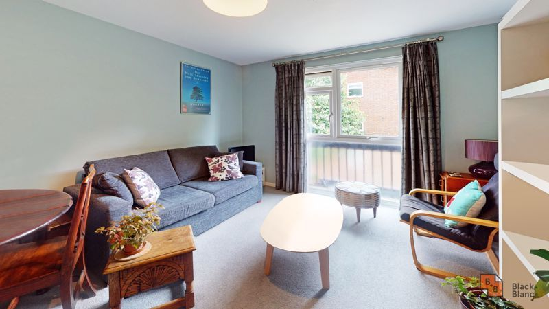 1 bed flat for sale in Maresfield, CR0