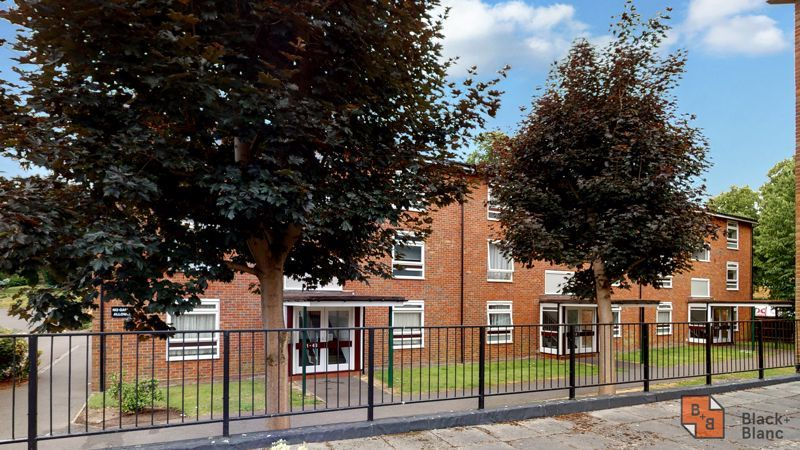 1 bed flat for sale in Maresfield 7