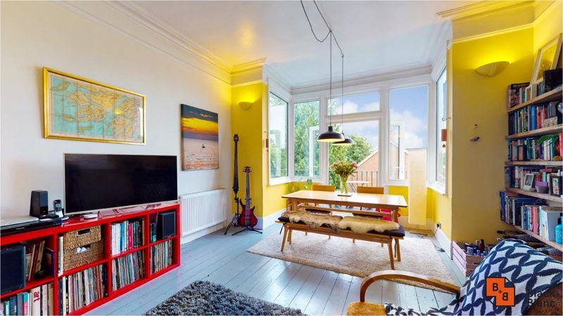 2 bed flat for sale in Harewood Road 2
