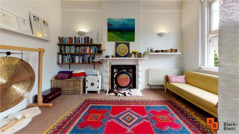 2 bed flat for sale in Harewood Road  - Property Image 8