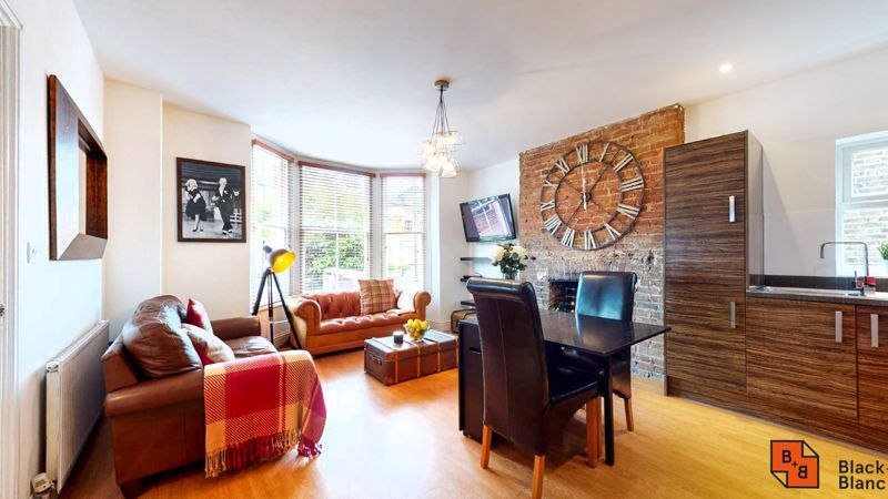 2 bed flat for sale in Outram Road, CR0