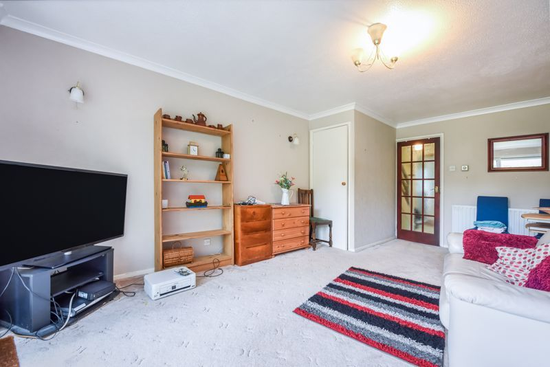 2 bed house for sale in Middlefields 3