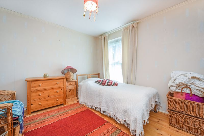 2 bed house for sale in Middlefields 5