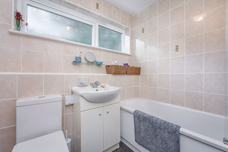2 bed house for sale in Middlefields 7