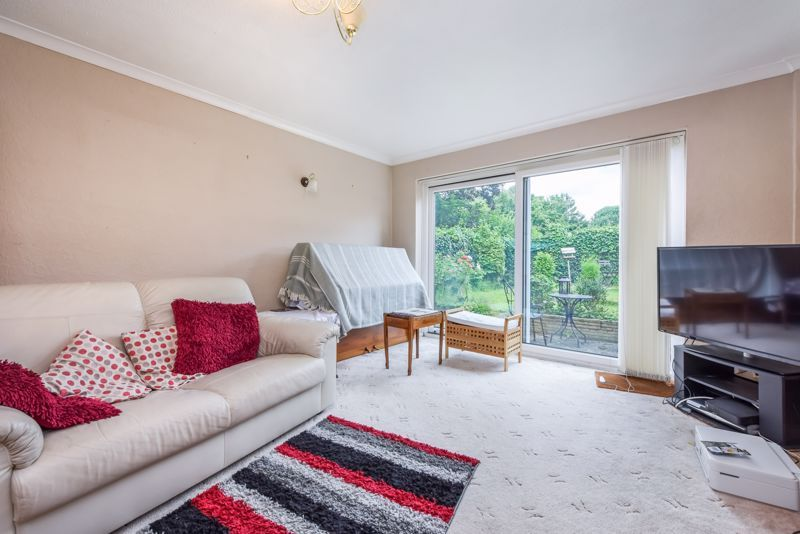 2 bed house for sale in Middlefields 8