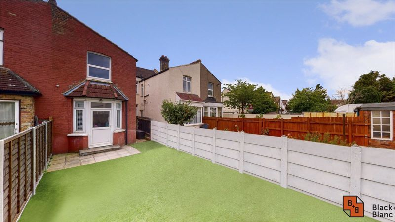 3 bed house for sale in Stretton Road 17