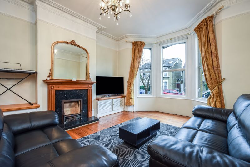 4 bed house to rent in Alexandra Road  - Property Image 2