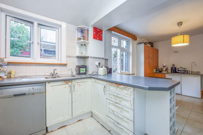 4 bed house to rent in Alexandra Road 4