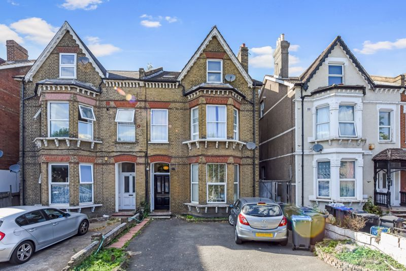 1 bed flat for sale in Morland Road 1