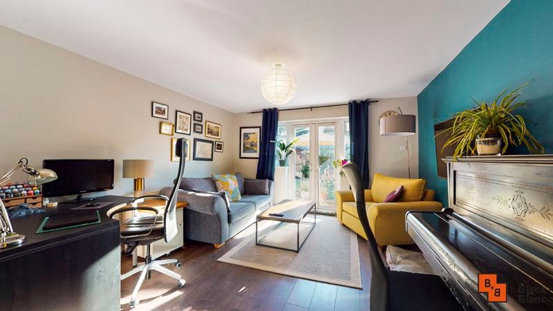 2 bed flat for sale in Chisholm Road 2