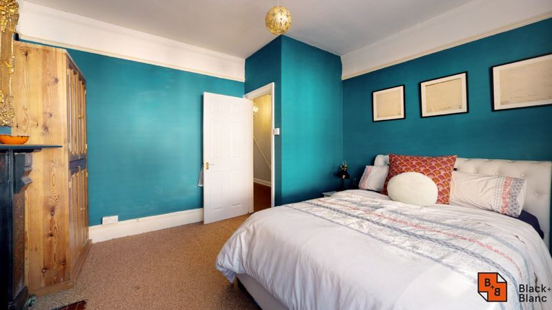 2 bed flat for sale in Chisholm Road  - Property Image 5