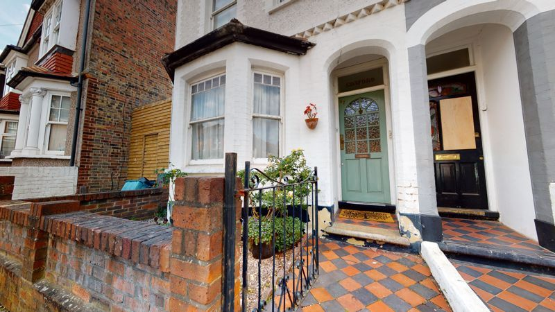 1 bed flat for sale in Addiscombe Court Road, CR0