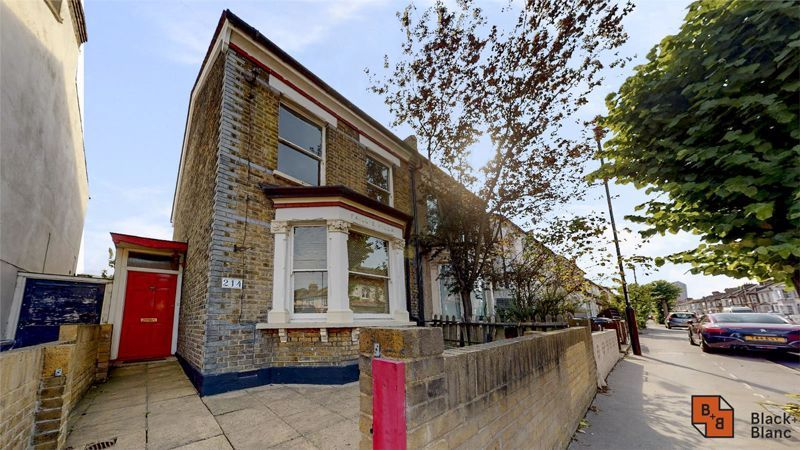 3 bed house for sale in Davidson Road 1