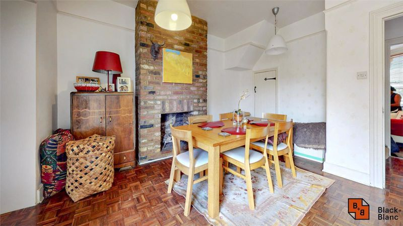 3 bed house for sale in Davidson Road  - Property Image 3