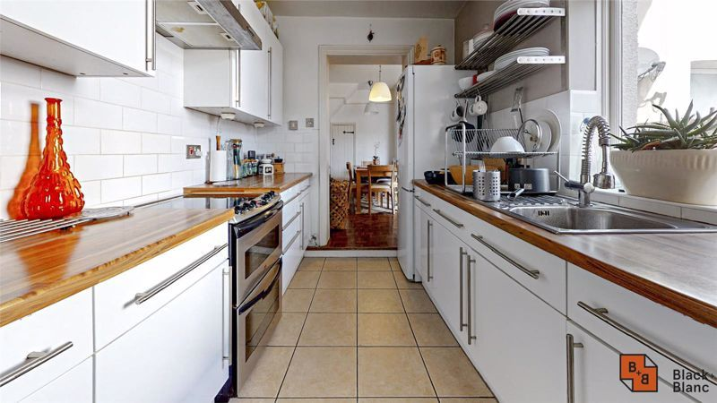 3 bed house for sale in Davidson Road 5
