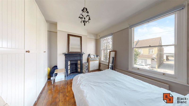 3 bed house for sale in Davidson Road  - Property Image 6