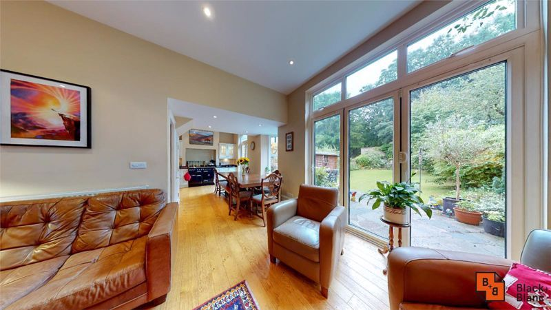 5 bed house for sale in South Park Hill Road  - Property Image 3