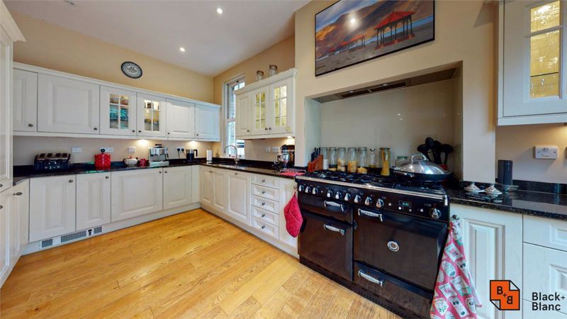 5 bed house for sale in South Park Hill Road 4
