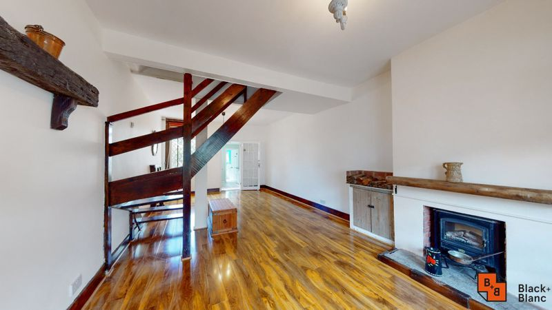 2 bed house to rent in Davidson Road 3