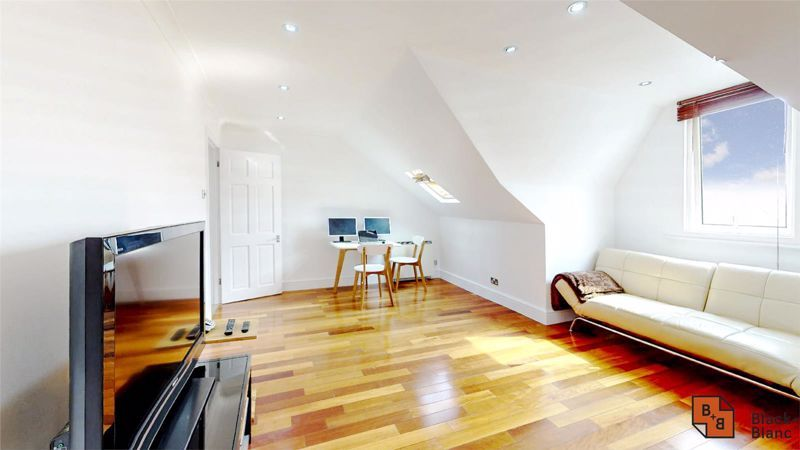 1 bed flat for sale in Holmesdale Road, SE25