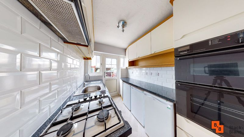 3 bed house for sale in Pitt Road 8