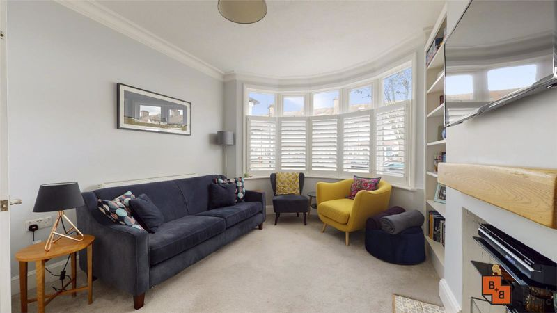3 bed house for sale in Wydehurst Road 1