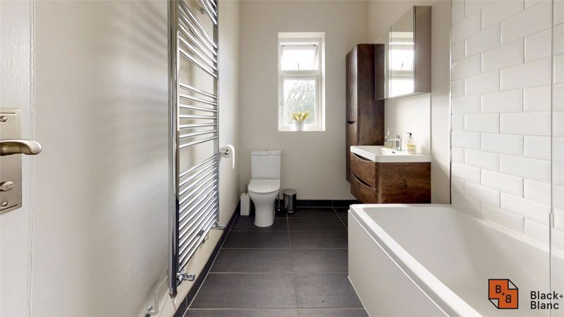 3 bed house for sale in Wydehurst Road 11