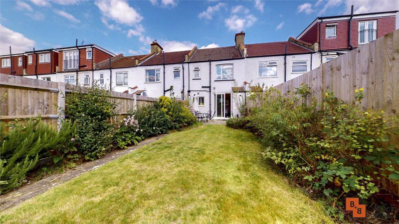 3 bed house for sale in Wydehurst Road  - Property Image 12