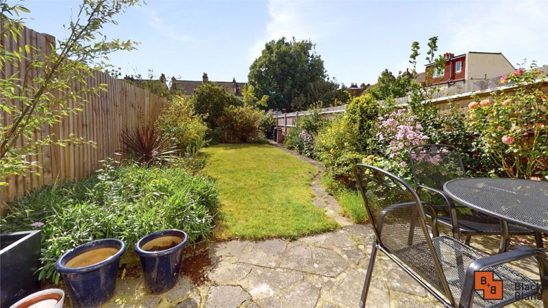 3 bed house for sale in Wydehurst Road  - Property Image 13